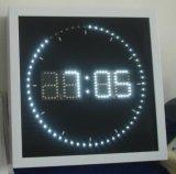 Reloj de pared del LED con el indicador colorido del LED que circunda segundo - dimensión de una variable cuadrada