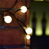 高品質の祝祭の装飾のための暖かく白い球LEDストリングライト低電圧