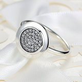 Het ronde Zirkoon bedekt de Plaatsende Zilveren Geplateerde Ring van de Kippenren