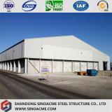 El marco de metal de almacén de acero estructural