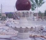 球が付いている自然な花こう岩の大理石の石水噴水