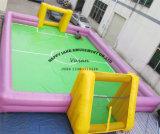 フットボールの試合のための膨脹可能な石鹸のフットボール競技場