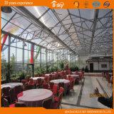 Serre à bureaux en polycarbonate à usage commercial utilisée comme Eco Hotel