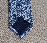 형식 우연한 꽃 면 남자의 넥타이