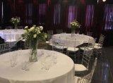 透明なTiffanyのプラスチック椅子の価格の樹脂のChiavariの結婚式の椅子