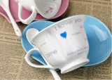 Atacado Heart Shaped Custom Ceramic Coffee Mug com placa