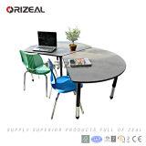 Mobília da sala de aula da faculdade para a tabela e a cadeira dos estudantes