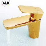Faucet da bacia do banheiro do punho do ouro da cor nobre e luxuosa da venda quente da alta qualidade único