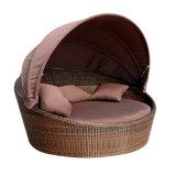 휴일 행락지 정원 옥외 가구 등나무 침대 겸용 소파 커튼을%s 가진 속이는 침대 Lounger 소파