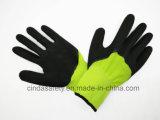 По окончании из пеноматериала с покрытием из латекса перчатки домашних хозяйств