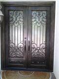 집을%s 전통적인 무쇠 문 디자인