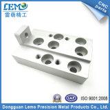 Piezas que trabajan a máquina de la precisión de China por el centro del CNC (LM-0617B)