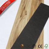 4mmに床を張る最もよい製造業者販売の安い価格の木製のビニール