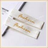 Étiquettes tissées privées de vêtement d'étiquette tissées par vêtement d'étiquette de damassé d'accessoires de tissu de logos