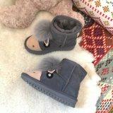 De Laarzen van de Sneeuw van het leer voor Jonge geitjes