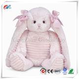 Pasen vulde het Pluizige Stuk speelgoed van het Konijntje van de Jonge geitjes van de Vakantie Roze