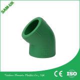 PPR encaixes de tubulação plásticos populares da cor verde PPR dos encaixes do cotovelo de 45 graus