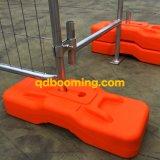Recinzione provvisoria della rete metallica con i piedi di plastica