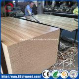 Armários de móveis Grau Okoume Concha de álamo feito de máquina de carpintaria