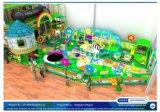 Equipamento macio interno do campo de jogos das crianças temáticos dos doces do divertimento do elogio