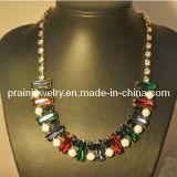 La primavera de cadenas de moda collar chapado en oro amarillo rojo verde de aleación de zinc de vidrio
