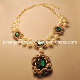 La moda de resorte ajustable Collar chapado en oro de las cadenas de perlas de vidrio verde cordón