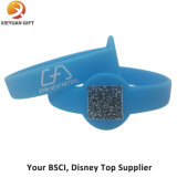 Debossed e Wristbands baratos enchidos do silicone do volume da cor