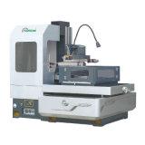 Máquina média da erosão de faísca EDM da velocidade da operação fácil de Dk7750zac