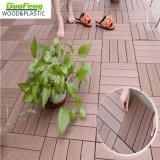 Il Decking di collegamento di WPC copre di tegoli le mattonelle di legno decorative esterne del composto DIY