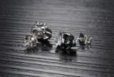 新しい方法頭骨のイヤリング贅沢な白くか黒いのオーストリアヨーロッパおよびアメリカの大きい水晶チタニウムの鋼鉄Brincoの卸売