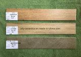 Banheira de material de construção de azulejos do piso de madeira