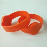 Bandes de poignet en silicone RFID imperméables à l'eau pour plage