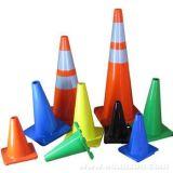 Os cones de trânsito de plástico. Cores sortidas (12 Pack)