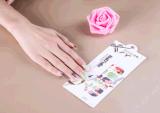 La beauté fleurit l'enveloppe de clou