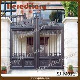 インドの家の装飾的な自動滑走アルミニウム入口のゲート