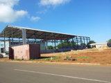 Magazzino prefabbricato della struttura d'acciaio con la gru a ponte nel Mozambico