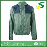 Chaqueta verde con capucha invisible windbreaker cremallera