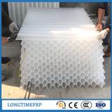 Emballage hexagonal de nid d'abeilles de colon de tube de pp pour le traitement d'eaux d'égout