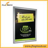 アルミニウム銀のスナップフレームかポスターフレームの広告