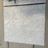 磨かれた、炎にあてられた、旧式な表面(灰灰色)が付いている灰色の花こう岩