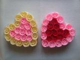 선물 세트에 있는 로즈 인공적인 꽃