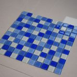 El cuadrado barato del precio modela el mosaico de cristal azul para el azulejo de la piscina