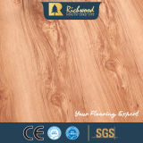 8.3mm Madera en relieve de madera de nogal laminado de madera Laminated Flooring