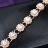 Braccialetto all'ingrosso di fascino dei monili di modo della perla di doratura elettrolitica dell'oggetto d'antiquariato della lega