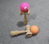 Bunte Farbanstrich-Kinder, die Kentamas spielen