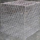 O fio de aço galvanizado de Malha de Arame Hexagonal as gaiolas dos animais