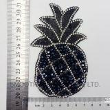 Insigne d'accessoires de connexion de fer de Rhinestone de broderie de forme d'ananas de promotion de mode