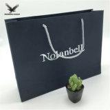 La conception de fleurs en papier tissu vert Un sac de shopping personnalisé