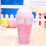 Bottiglia di acqua con la bottiglia ghiacciata creativa della bevanda della spremuta del caffè del coperchio