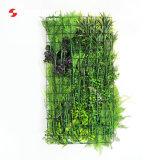 縦の庭の壁のためのカスタマイズされた屋外の人工的なシダの草のマット